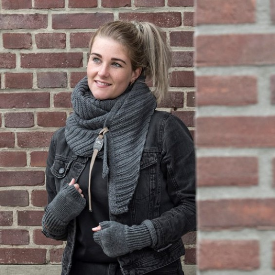 Knit Factory - Cleo | vingerloze handschoenen