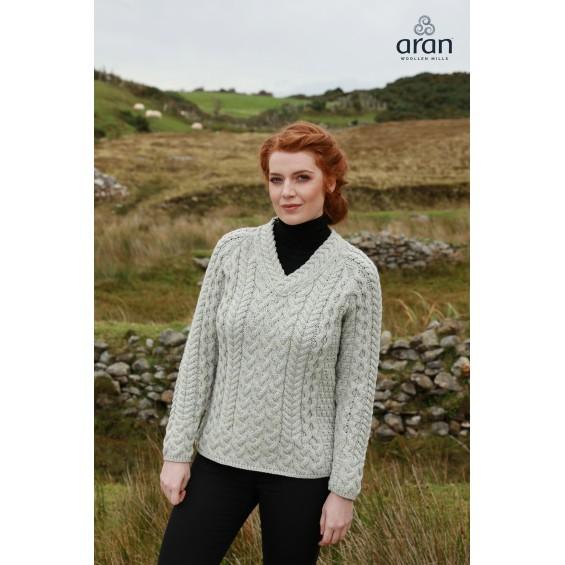 Aran Woollen Mills - damestrui met V-hals