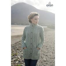 Vest Aran Woollen Mills met knopen en twee zakken
